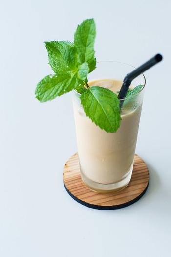 インスタントコーヒーをそのままミルクに入れるより、しっかりコーヒーがミルクに溶け込むので、よりおいしいカフェオレが楽しめますよ♪