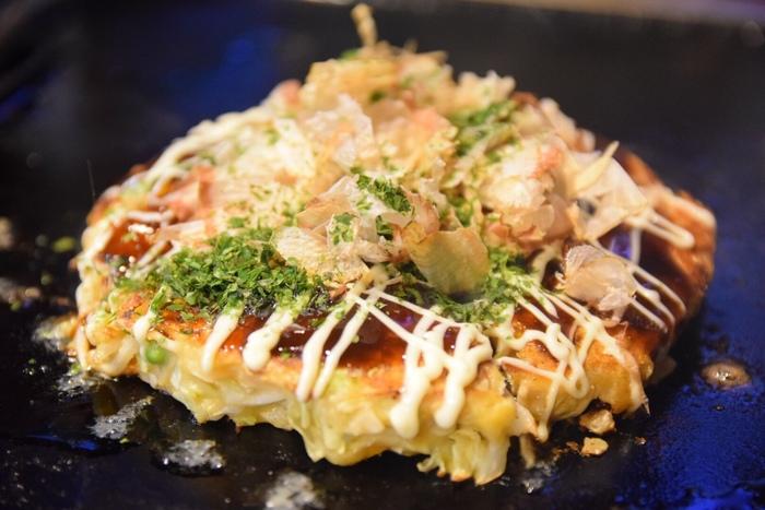 牛肉・イカ・エビなど、たっぷり具が入った「津久井天」が人気。ぷりぷり、ふわふわ食感と、ソースが絶品。