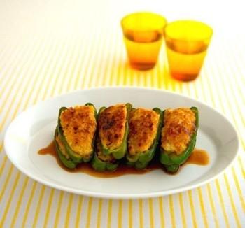 ピーマンの肉詰めを和風ソースでアレンジ。わさびぽん酢のさっぱりとした味が、豆腐入りのふんわりジューシーなお肉によく合います。