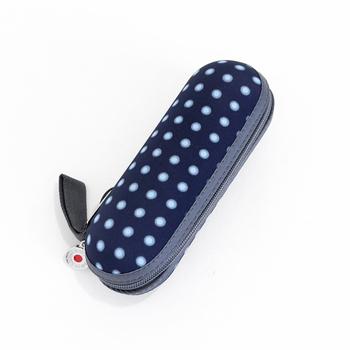 防水加工された専用ケースが付いているので、濡れた傘をしまっても大丈夫。雨が降りそうかな?という日にバッグに入れておけば安心ですよ。