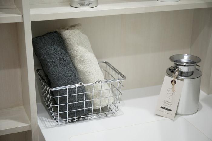 インテリアとして棚に飾っておきたくなる可愛い洗剤や、幅広い用途に活躍するスタイリッシュな洗濯カゴなど。 おしゃれなデザインと機能性を兼ね備えた素敵な『ランドリー』まわりのアイテムは、日々のお洗濯をより快適に、楽しい時間にしてくれそうです。 今回ご紹介した魅力的なアイテムをヒントに、さっそくサニタリールームをおしゃれな空間に変えてみませんか?