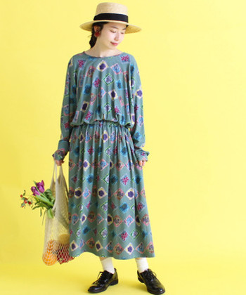 いかがでしたでしょうか。 着こなし次第でおしゃれ度が格段に上がるボタニカルや花柄の洋服は、春のお出かけ気分を盛り上げてくれること間違いなしです♪