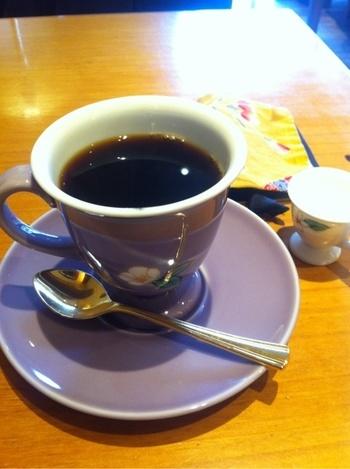 お店ではオーダーすれば、ペーパーフィルター、フレンチプレス、空気圧を利用して抽出するエアロプレスの3種類から、コーヒーの抽出方法を選べます。同じコーヒー豆でも淹れ方で味の感じ方も異なるので、色々試したくなりますね。