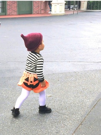 お尻で笑っているジャックオーランタンはインパクト抜群。これが本当のかぼちゃパンツ!