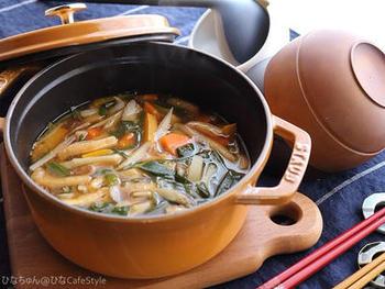 わけぎは、お味噌汁やスープなどの汁物にもよく合います。生でも食べられるわけぎですので、最後に加えてさっと火を通す程度にするといいですね。