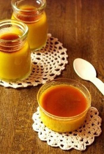 材料4つで冷やし固める簡単レシピ。かぼちゃプリンの中でも作りやすくなっています。かぼちゃの優しい甘さを楽しむことができますよ。
