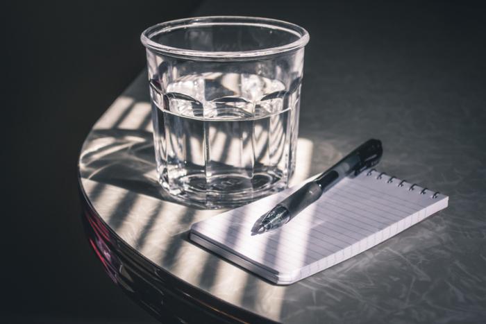 水やお茶を飲んだり、ジュース、時にはお酒…。みなさんもお気に入りの「マイグラス」で、日々の暮らしに、ちょっとした楽しみをプラスしてみませんか♪