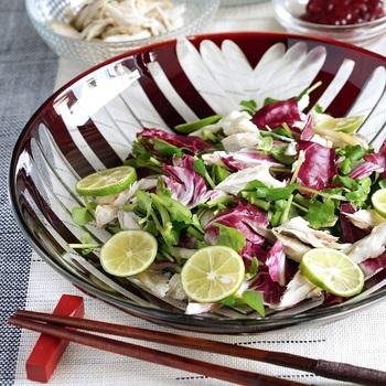 昨日の残り物や1匹だけ切り身魚が残った時に是非作ってみた「クレソンと焼き塩さばのサラダ」。残った魚も素敵なサラダに大変身のレシピです。すだちの風味もいい感じ。
