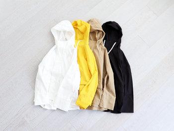 「maillot(マイヨ)」の、薄手でさらりと羽織れる、スポーティーなパーカー。通気性の良いコットンと、軽くて扱いやすいナイロンとのミックスだから高機能。