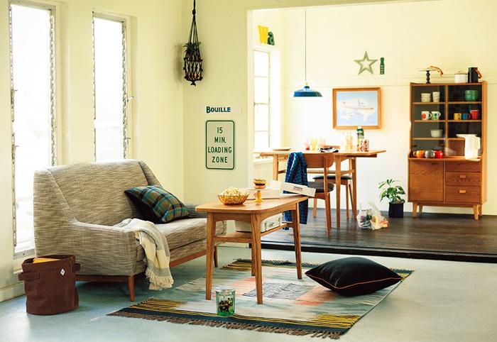 リビングルームは一日の多くの時間を過ごす空間です。何かと物が集まりがちなリビングをスッキリさせるには、収納がポイントです。まずは収納のコツをおさらいしてみましょう。