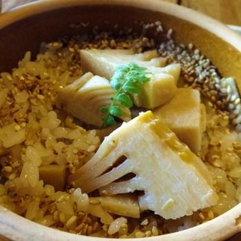 春限定の「竹の子釜めし」を求めて行列を作るお客さんも多いんですよ。地元産の筍は、収穫したらすぐに下ごしらえをするため、新鮮でやわらか。奥多摩の旬の味覚を味わってみませんか?
