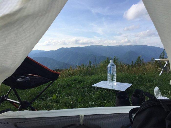 天狗荘、姫鶴荘ではテントを張ったキャンプを楽しむことができます。夕暮れの山並みや、夜空の満天の星空、ゆっくりと染まっていく朝焼け・・・キャンプならではの自然の楽しみを見つけるのも素敵です。