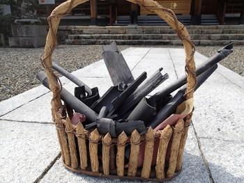 竹炭は天然素材ですし、繰り返し使えてエコ。竹炭パワーで、家中の湿気やカビ対策ができます。梅雨までに、おうちに竹炭を取り入れて事前の対策をしてみてくださいね。