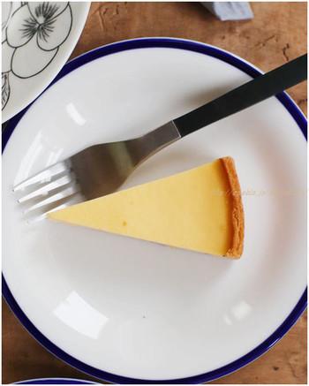 甘さ控えめで優しいお味のチーズケーキは、保存料を一切使用せず、無着色、無水、無香料なんです。素材を生かしたシンプルな味わいは癖になる美味しさです。