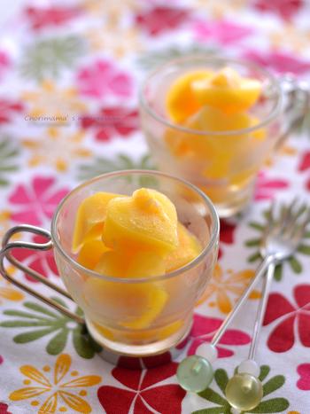 生のオレンジ果肉と果汁のダブルの美味しさが味わえる簡単シャーベット。お口でシャキッ、シャリシャリと適度な溶け感で楽しい食感。