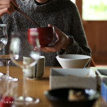 形は丸椀、平椀、端反り椀の3種類。ピンときたシルエットで選んでみては?