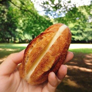 Le Ressortのミルクフランスは小ぶりですが一口噛み締めると、小麦の強い香りと優しいミルククリームの味わいが口いっぱいに広がります。