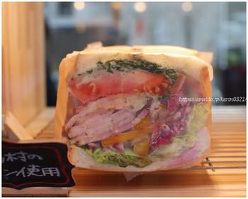 新鮮な野菜を使用したボリューミーなサンドイッチにも引かれます。ランチにちょうどいいかもしれません♪