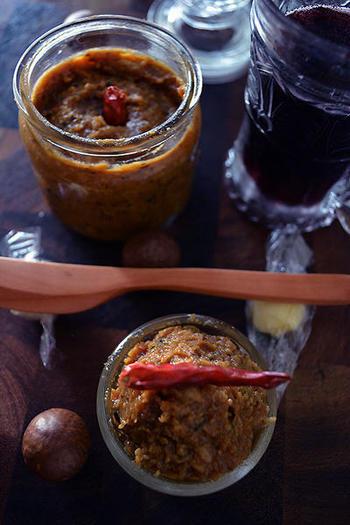 オリーブ&アンチョビの黄金コンビに、味噌を合わせた新感覚の調味料。フリッターやバケットにちょこっとつけて、ホームパーティーやおうち飲みでのおつまみとしてとっても喜ばれそうです。