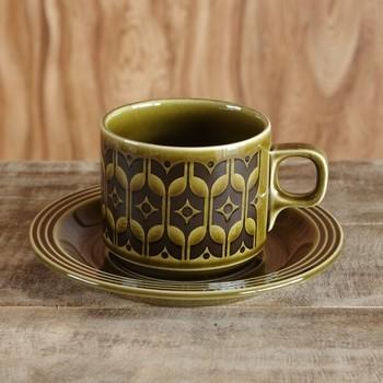 HORNSEA(ホーンジー) のHeirloom(エアルーム)というシリーズのカップ&ソーサーは、1960~80年代頃のヴィンテージ。北欧テイストとも馴染みそうです。