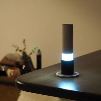 色温度の高い青白い光は、爽やかさがあり、明るく活動的なイメージの空間に仕上がります。