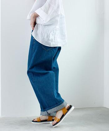 ジーンズの種類や特徴をしっかり覚えていれば、自分が着こなしたいスタイリングに合わせたジーンズが選びやすくなりますよね。ぜひ大人コーデに様々なジーンズを取り入れて、ナチュラル・シンプルな着こなしを楽しんでみてくださいね♪