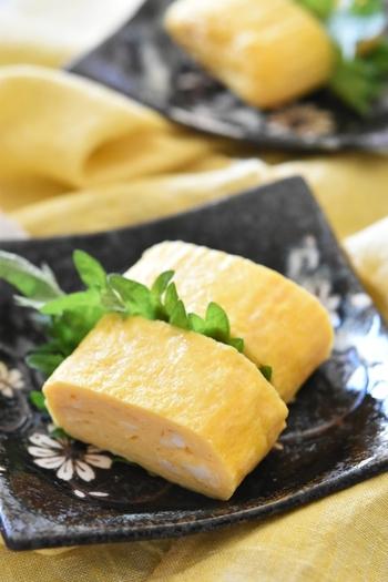 たんぱく質豊富な卵は、ダイエット中でも積極的に取りたい食材。こちらは、冷めてもしっとりパサつきにくいので、お弁当にもおすすめの砂糖不使用の卵焼きです。 保存は、ラップに包んでジッパー付きの袋に入れて冷凍すると良いそうです。