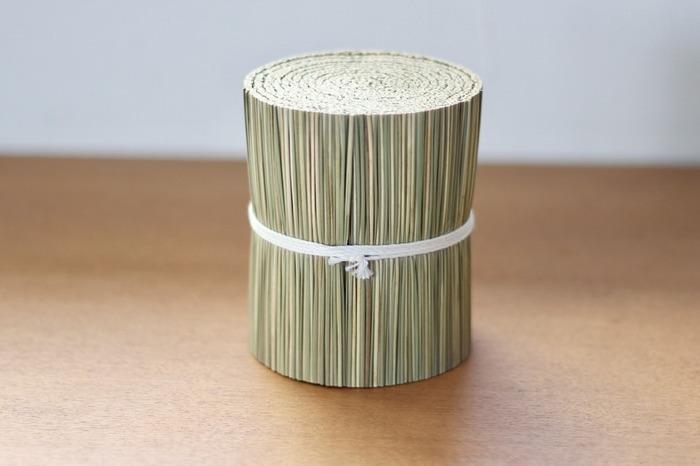 畳に使われるい草には消臭効果があります。また、調湿機能もあるので下駄箱の湿気取りにも役立ちますよ!い草の香りでリフレッシュ効果も。