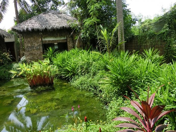 カンボジアに行く日本人女子におすすめは、「スパクメール」です。シェムリアップの中心地からもほど近い緑がいっぱいの庭にたたずむコテージでスパを受けられます。しかも日本人が経営しているスパで、安心です。  国内のオーガニックハーブやカンボジア産の塩を用い、カンボジアの伝統医療と日本の美容とホスピタリティを融合し、一人一人に合わせた施術を施してくれます。  炎天下の中遺跡群を廻り、心身ともに疲労が溜まったら、日本語も通じるスパで安心して体と心をほぐしましょう。