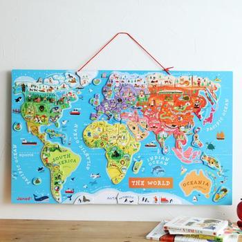 世界地図を学ぶと、毎日のニュースが楽しみになります。すべてのピースの場所を覚えると、世界のニュースが分かりやすくなります。