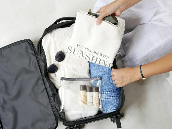 荷物がかさばりやすい旅行グッズは、少しでも軽量でコンパクトに仕上げたいですよね。 買い揃えるのも良いですが、普段使用しているものを利用するのも◎ また、旅先で快適に過ごすためのアイデアや便利グッズも、ぜひ参考にしてみてくださいね。