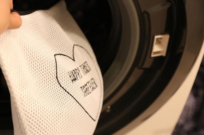 旅行から帰ってきて面倒な服の仕分けも、汚れたものをまとめておけば、ネットなのでそのまま洗濯機へ入れられます。 何枚あっても重宝しますよ。