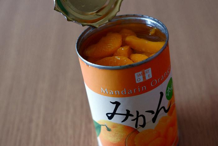 缶詰は開封前まではよくもちますが、開けてしまうと日持ちの効果は失われます。フルーツの缶詰を開けたら、中身を缶詰の中に置きっぱなしにしないようにしましょう。開封後は別の容器に移して、冷蔵庫に保存の上、3日以内に食べきるのがポイント。  防災用の缶詰の賞味期限が迫ってきた、そのまま食べるのに飽きてしまった、なんてときには、缶詰レシピでお好みのグルメに変身させてみてくださいね♪