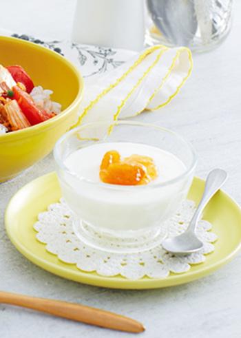 クリームチーズ・甘酒・ヨーグルトの組み合わせ。甘みと酸味のバランスが絶妙で、コクのあるスイーツです。スイーツでも良質な栄養が摂れるのはうれしいですね。