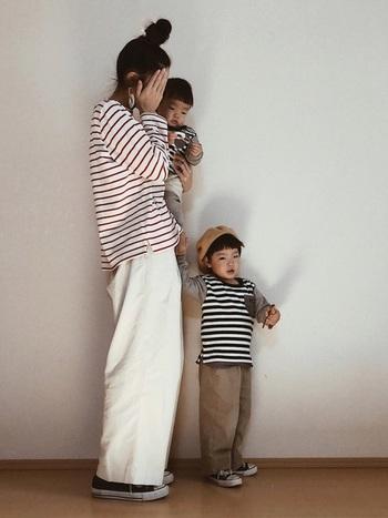 色違いのボーダーを合わせたとっても可愛い3人の親子コーデ。それぞれ好きな色のボーダーを着てみたり…買い物の段階から親子で楽しめそう!
