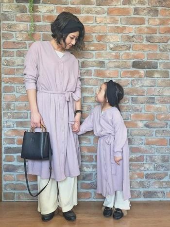 大人っぽいきれいめコーデを子どもと楽しんじゃうこんなスタイルも。お子さんが大きくなってきたら、次はどんなの着ようか?なんて相談しながらコーデを考えたり…親子間のコミュニケーションが広がりそうです。
