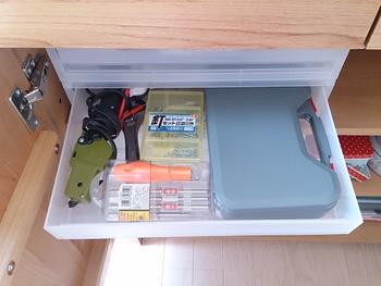 しまう場所に悩みがちな工具の収納もおまかせ。こうしてカテゴリー別に収納していれば、家族も迷わず出し入れできそうですね。