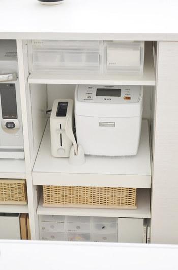 キッチンでは、食器はもちろんカトラリーケースとして、食材ストック入れとしてマルチに活躍します。
