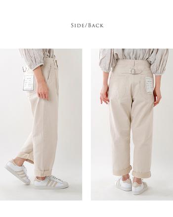 『ボーイフレンドデニム/パンツ』とは男友達や彼氏から借りてきたような一回り大きいゆったりとしたサイズ感を楽しむパンツのこと。ロールアップしてボリュームを出して履き着こなすのが一般的です。