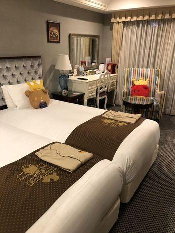 ホテル内の至るところに、マスコットキャラの「くまポチ」が。クラシカルでエレガントなインテリアをキュートに彩っています。