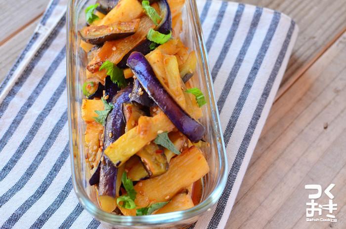 ナスと油の好相性と揚げた長芋のホクホク感を楽しめるレシピです。 長芋は揚げるネバネバを気にせずにいただけます。 甘辛酸っぱい夏向きの味付けで。ごま油と大葉の風味に食欲が刺激されます。  ▼ポイント&コツ 食感でアクセントを足し算。 香味野菜で香りを足し算。 ごま油でコクを足し算。