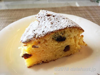 王道なケーキに飽きたら、酒粕やラム酒を使ったしっとり大人なケーキもおすすめ。レーズン入りで甘みと食感の楽しさや、酒粕の独特の風味がおいしいちょっと大人なケーキが味わえます。