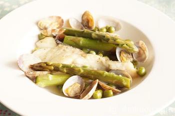 海にも面したバスク地方では、魚介の煮込み料理などもおいしいようです。魚介のバスク風煮込みはスケと呼ばれるとか。こちらはタラのバスク風です。