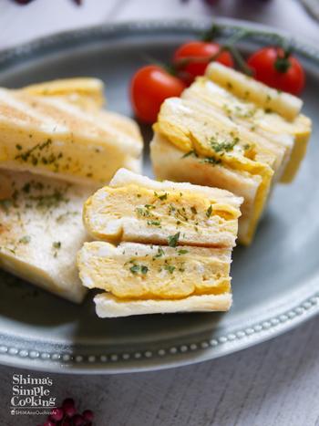 話題のだし巻き卵サンドもレンジで簡単に作れます。優しいお味でお夜食にオススメのレシピです。