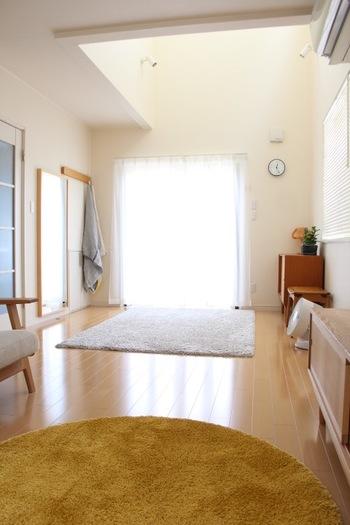 小さなお子さんのいるご家庭では、家具をできるだけ減らして安全な空間づくりをしたいですね。