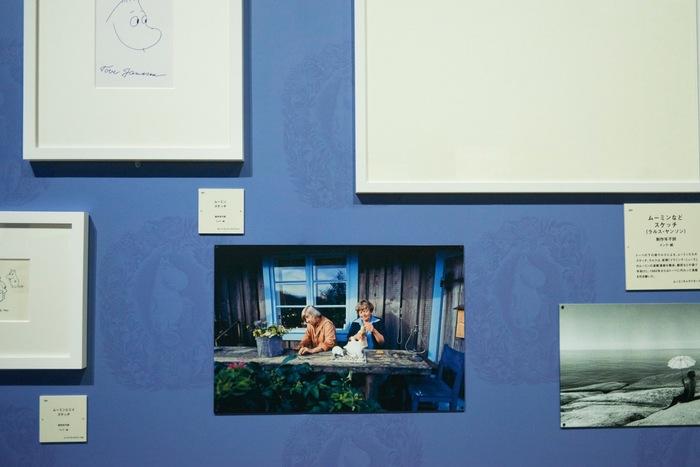 二人でムーミンの立体模型作品に熱中したことがわかる写真やフィギュアの展示も。トゥーリッキという存在があってこそ、トーベの創作活動が昇華していったことがわかります。