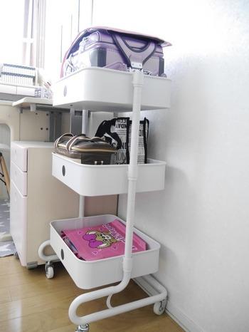 ランドセルの置き場は決まっていますか?  フックに掛ける、棚の中に入れる、棚の上に置く…などさまざまな方法があります。