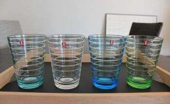 上品な無色タイプはもちろん、美しいカラータイプも人気。とっておきの自分用グラスとして、来客へのおもてなしグラスとして、シーンを選ばず大活躍してくれます。