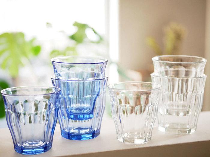 おしゃれなカフェなどでも見かけることの多い、ウォ―タ―グラスの定番中の定番が「デュラレックス」のピカルディ。フランスの老舗メーカーが手掛けるグラスです。汎用性の高いおしゃれなデザインはもちろん、その丈夫さに定評があります。