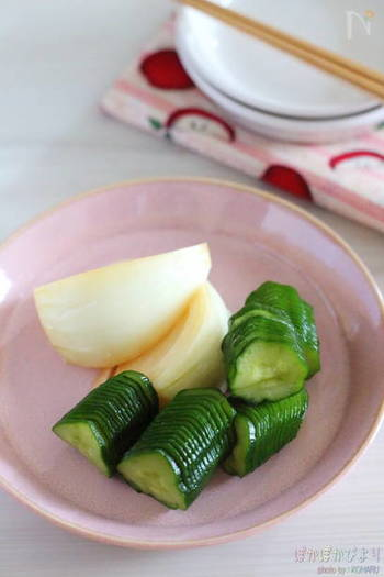 こちらはなんと、味噌にヨーグルトを合わせています。野菜はお好みのものでOK。まろやかな味わいが楽しめる漬物です。2、3時間~2日ほどの間で、お好きな漬け時間を見つけてみてくださいね♪